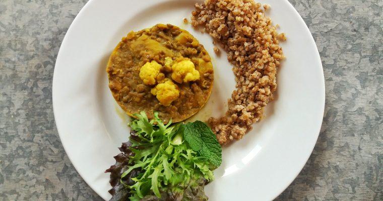 Guisado de lentilhas com trigo sarraceno